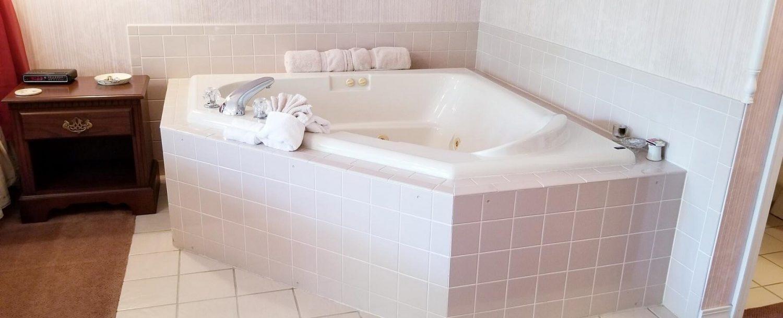 Suite 1 Tub